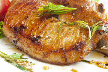 Grilled pork chop with spices
