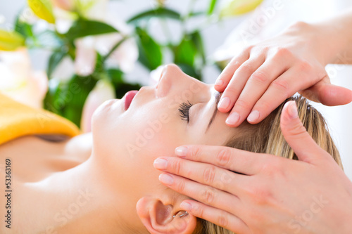 canvas print picture Wellness - woman getting head massage in Spa