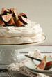 Meringue cake with figs