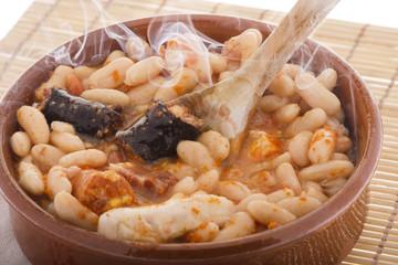 Humeante fabada española