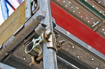 Cantiere edile, impalcature e ponteggi
