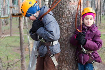 Brother and sister ready to overcome ropes course