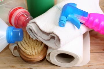Mittel zum Putzen