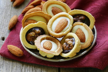 cookies with almonds and walnuts nuts