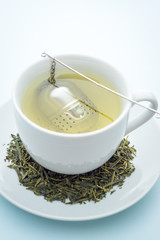 Green tea with infuser