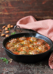 Moroccan meatballs with tomato sauce
