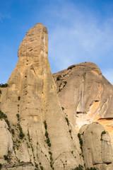 Primer plano del pico Cavall Bernat. Montserrat.