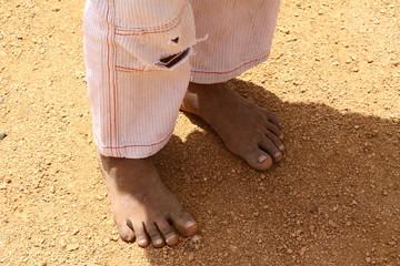 barfuß im heißen sand