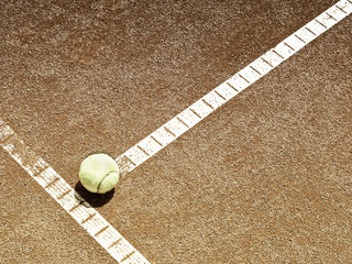 Tennisplatz Linie mit Ball 136