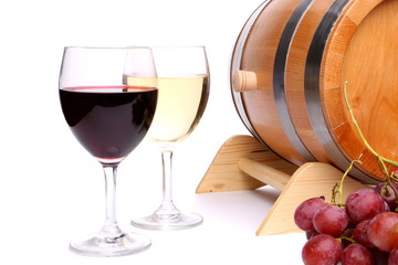 Two glasses of wine, barrel and grape