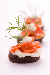 Lachs Canapes