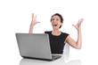 Junge Geschäftsfrau glücklich und happy im Büro
