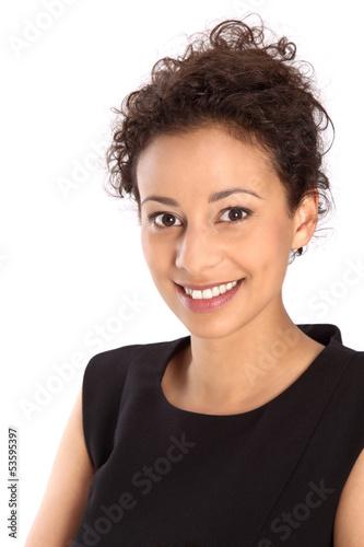 Gesicht isoliert - junges hübsches dunkelhaariges Mädchen