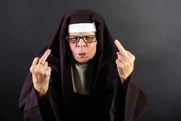 vulgar nun