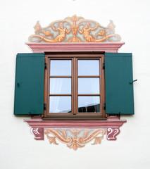 Fenster mit Bemalung
