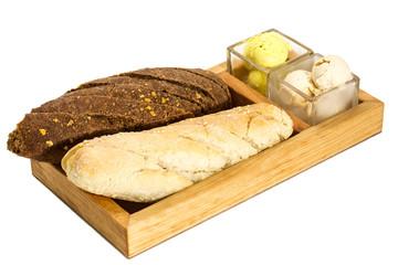 Свежий хлеб и сливочное масло