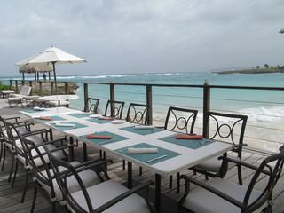 restaurant a la orilla del mar