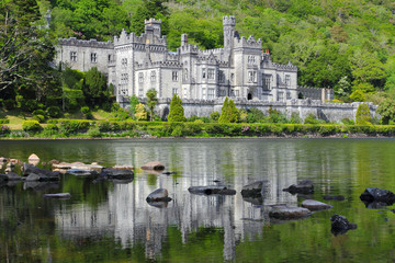 Kylemore Abbey reflected in green water