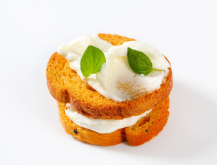 Mini toasts with cream cheese