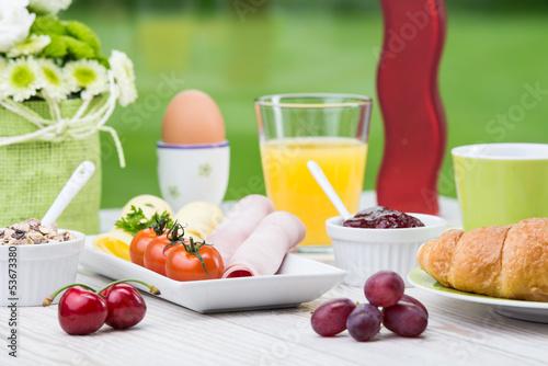 kleines frühstücksgedeck