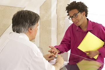 Entretien d'embauche avec un  stagiaire