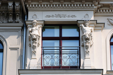 Fenster mit Verzierungen