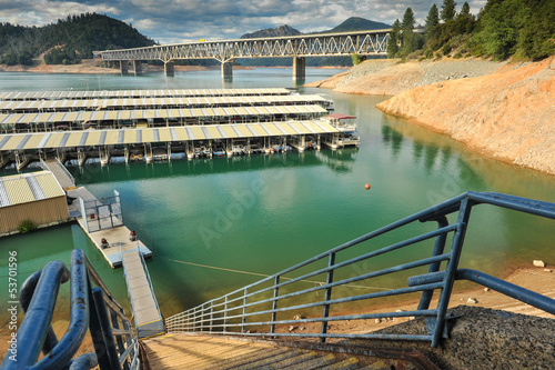 Marina on Lake Shasta with steep steps