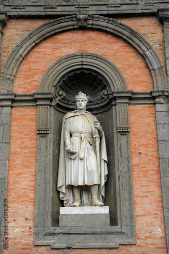 Statue am Palazzo Reale