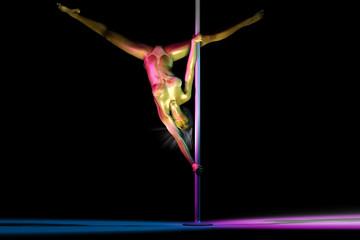 Golden Girl beim Poledance