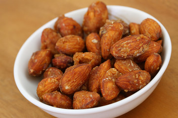 Caramelized almonds, close up