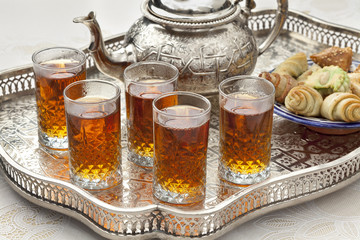 Moroccan tea with cookies
