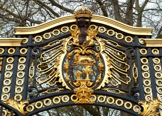 buckingham palace door detail