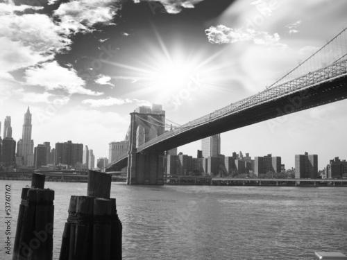 Thge Manhattan Bridge view from Brookling.