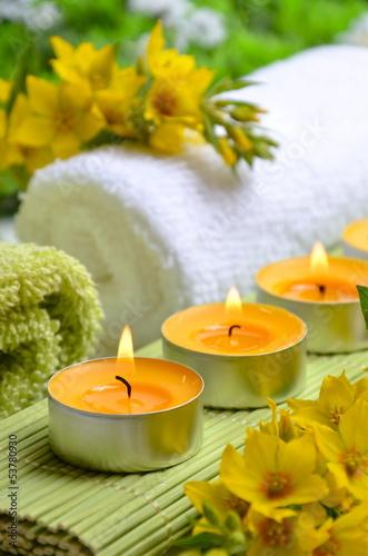 Wellness Kerzen Gelb Tuch