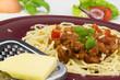 Spaghetti mit Hackfleisch, Tomaten und Käse