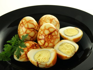 Eggs with pattern
