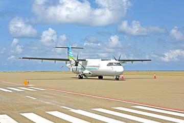 plane on runaway