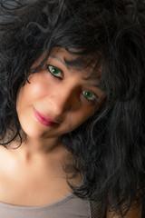 dolce sguardo dagli occhi verdi