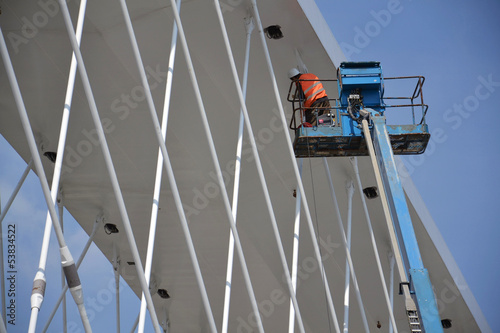 Lifting platforms on Troja bridge