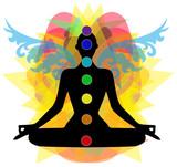 sagoma in posizione yoga e punti chakra