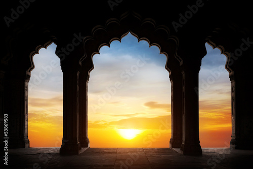 Papiers peints Inde Arch silhouette at sunset