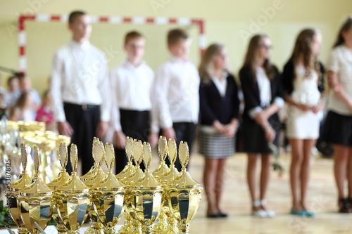 Puchary i nagrody na zakończenie szkoły II.