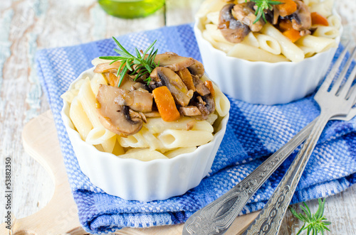 Pasta with mushrooms and vegetables