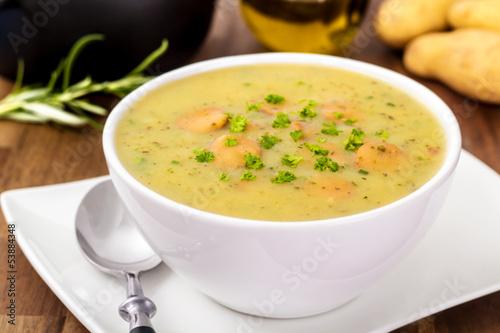 Potato soup - Kartoffelsuppe - 53884348