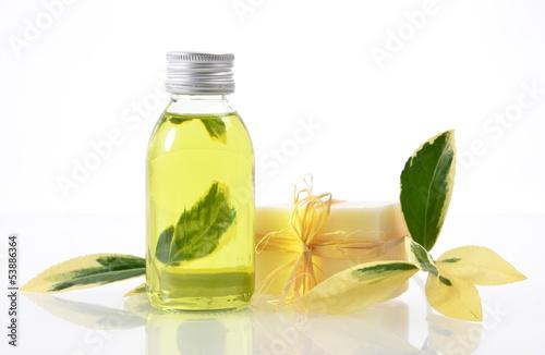 Wellness Öl Naturseife Gelb Grün