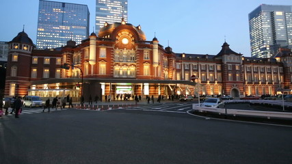 東京駅 夕暮れ