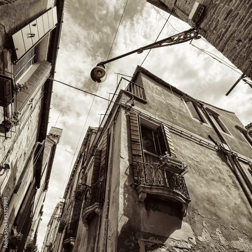 wide angle shot of street crossroad in Venice © mikeng