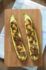 Zucchini mit Sojahack und Kartoffeln