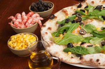 pizza con gamberi e rucola
