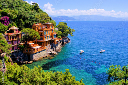 Leinwandbild Motiv Luxury homes along the Italian coast at Portofino